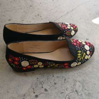 Topshop Floral Embroidered Flats