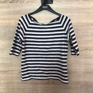 Black & White Sleeve Top
