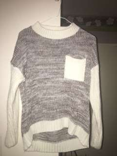Long sleeved knitted long sleeve
