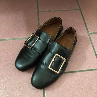 方釦平底鞋