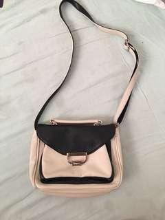 Useful shoulder bag
