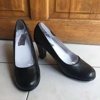 Aerosole Black Heels / Office Shoes