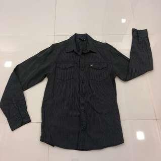Quiksilver long sleeve shirt size S