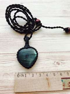 Labradorite heart shape pendant necklace macrame