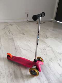 Mini Micro 3 in 1 skater scooter with seat