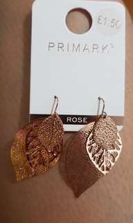 Anting primark daun rose gold