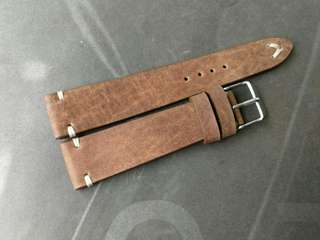 100% Handmade Genuine Calf Oiled   Leather Watch Strap Colour : Matt Tan  Lug/Buckle Widths : 20/16 mm Length/Buckle Side : 110/75 mm Loops/Widths : 6 mm Thickness approx : 2.5 mm Buckle : Steel