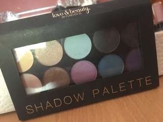 FOREVER21 eyeshadow palette