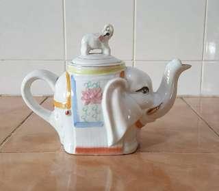 Vintage teapot elephant motiff