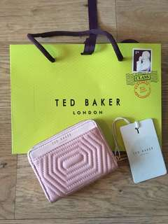 [readystock] Ted Baker zippes around coin wallet