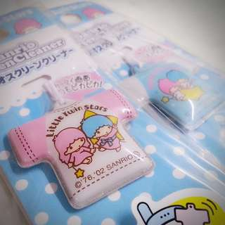 Little Twin Stars 日本限定 Tee-shirt款 手機畫面清潔 專用 抹布 掛牌  Sanrio Product 日本空運 日本版 珍藏 紀念 小禮物 小吊飾 掛飾(雙星仙子,KiKi&LaLa)(リトルツインスターズ) 004606
