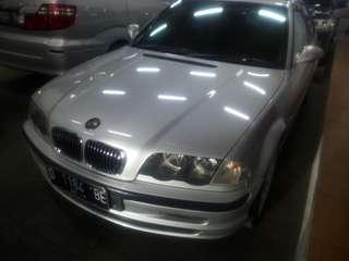 BMW 318i at 2000