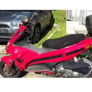 Piaggio Runner 200 [COE Expiry Oct 2019] Good for everyday commute. 2 Helmets + Box included.