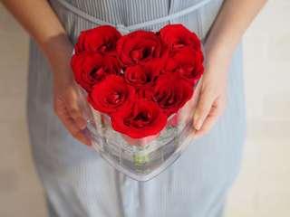 9 stalks Red roses( Heart)