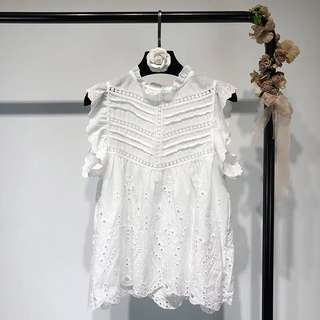 2018 Summer Sleeveless Embroidery Cutout Solid Color Shirt