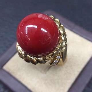🍀日本阿卡牛血紅15.5毫米圓珠珊瑚戒指💍💍顏色品相如圖美麗!十八千金鑲嵌天然鑽石💎雍容華貴!精緻美麗!結緣價:53800