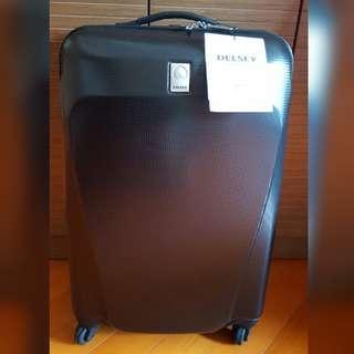 法國名牌出售DELSEY PARIS Luggage 全新旅行箱/喼一個 TSA美國海關密碼鎖 2年全球保養,現低至六折$800元 不議價
