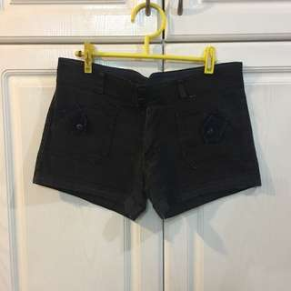 Classic Black Shorts With Pockets