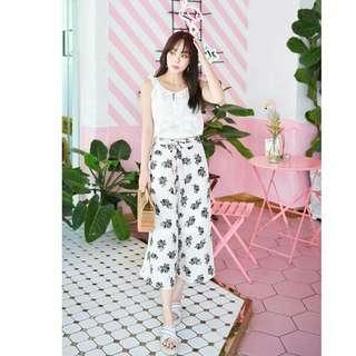 free mail* white flora chiffon pants