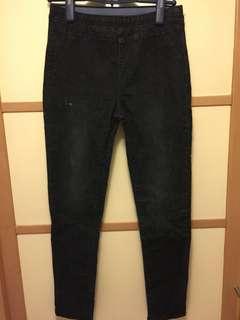 How luk 黑色牛仔褲