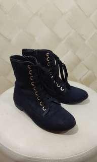 Black Parisian Boots size 35