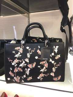Mango Floral Embroidery Tote Bag LOOK A LIKE