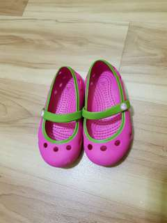 Pink green Crocs shoes Size 6 for girls