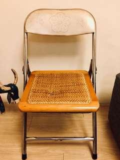 台灣早期藤編折疊鐵椅