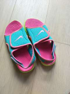 Children's/ Kids Nike Shoe or Sandal/Slipper