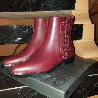 Sepatu Boots staccato