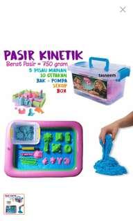 Pasir kinetik 700grm  free ban mainan warna biru