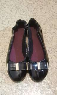 🚚 達芙妮氣質平底鞋(size 23.0)