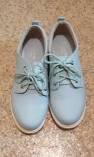 🚚 達芙妮清新低筒馬丁鞋