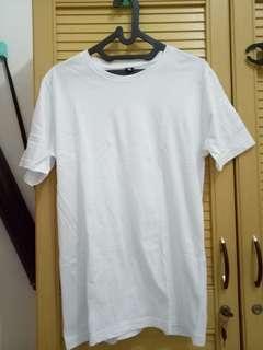 Kaos polos putih (T-SHIRT)