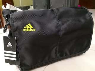 全新 Adidas袋