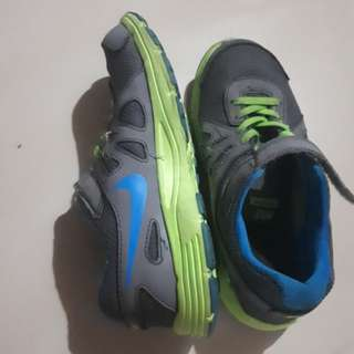 Nike Rubber Shoes for Kids - used