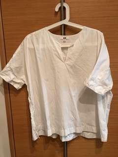 Uniqlo extra fine cotton slit neck short sleeve blouse