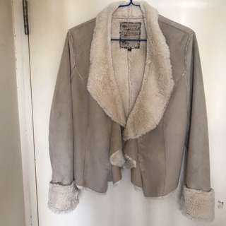 🇬🇧NEW LOOK Suede fluffy cropped jacket Size 12