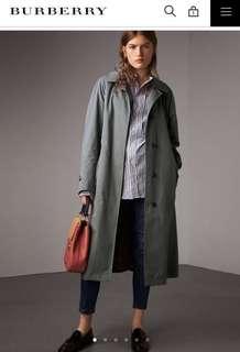 Burberry Brighton版型輕便大衣