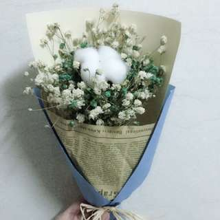 🚚 Manly ord gift bouquet cotton flower and baby breath
