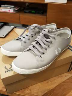 🚚 Fred Perry Women's trainers