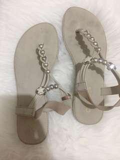 Woman flat sandal