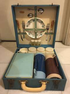 Vintage Boxed Picnic Set