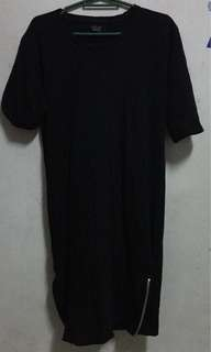Pre-loved stuff!! Men overize t-shirt with sides zipper