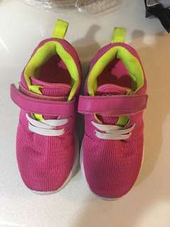 Pink sports shoes size 9 for kids