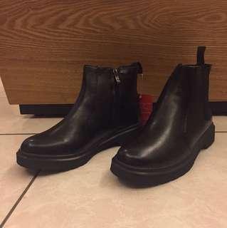 🚚 掏寶買的!全新 內刷毛短靴!換季拍賣