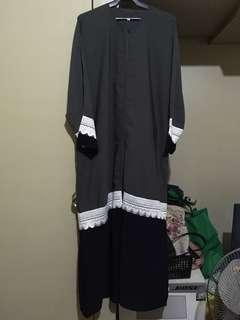 Abaya w/ Tarha