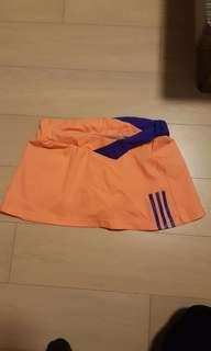 Adidas運動短裙褲款(近乎全新M碼)