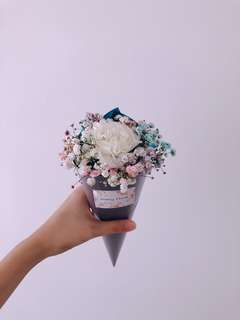 Cotton candy mini bouquet with Carnation