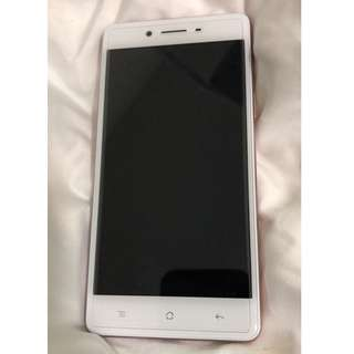 Oppo F1 (Rose Gold 16GB) in mint condition and comes with pre-installed tempered glass